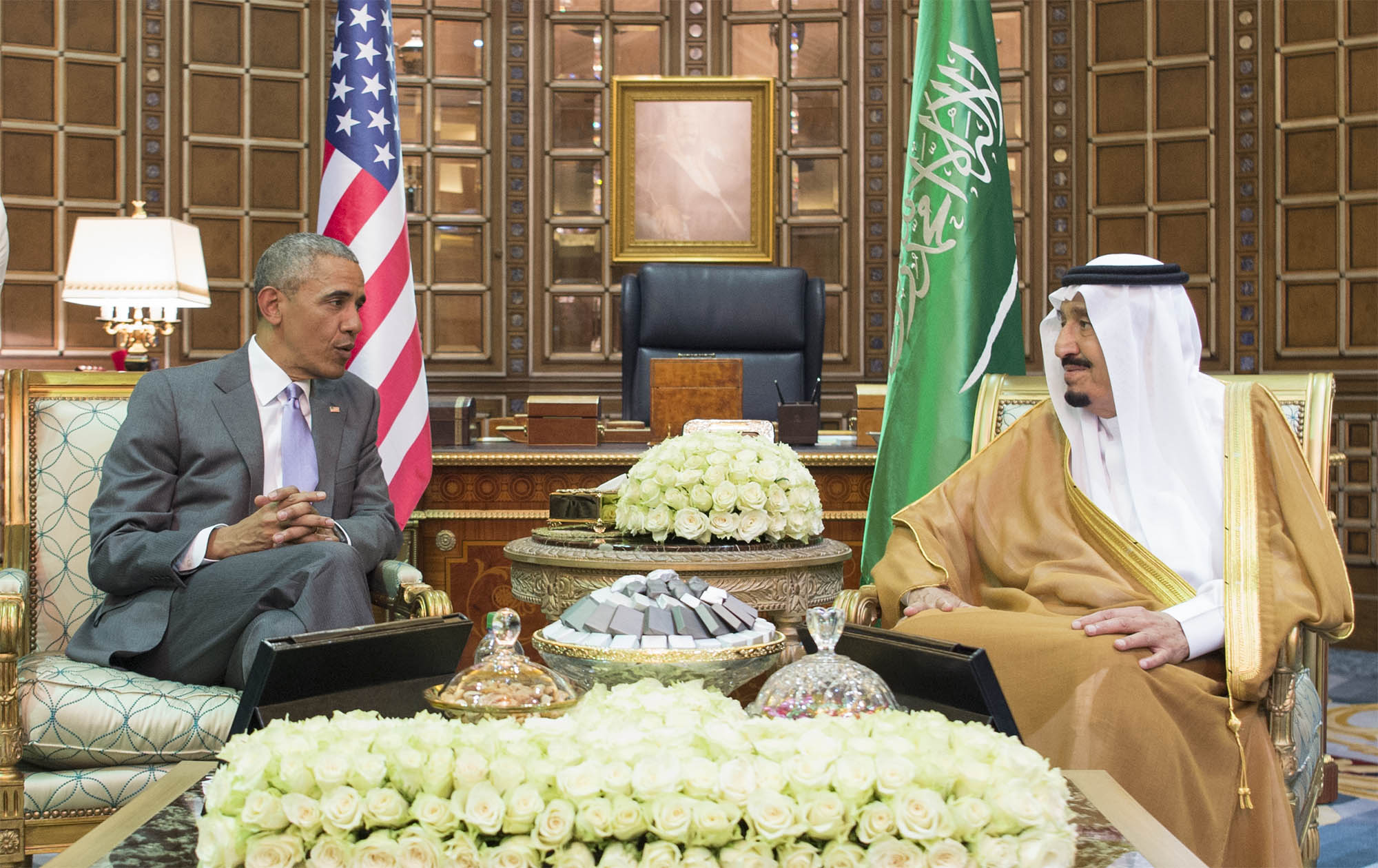 """صورة أوباما يدافع عن نفسه مؤكّداً للسعودية أن ارتباطه بإيران مجرّد """"متعة"""""""